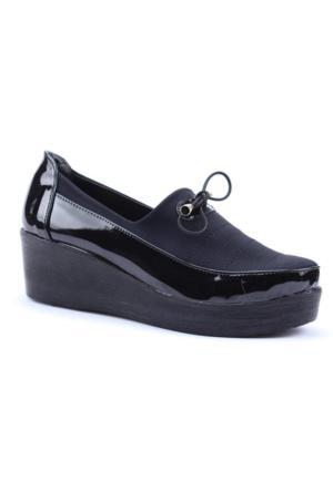 Caprito Günlük Rugan Dolgu Taban Kadın Ayakkabı