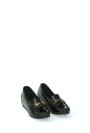 Zerrin Ayakkabı Siyah Rugan Bıyık Toka Kadın Ayakkabı-190573