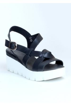 Markazen Tokalı Beyaz Platform Topuk Sandalet Ayakkabı - Füme