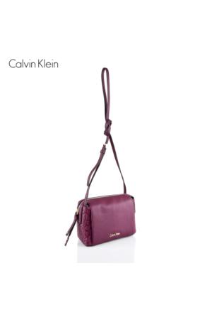 Calvin Klein K60K602207-500 Mish4 Small Crossbody Bordeaux Çanta