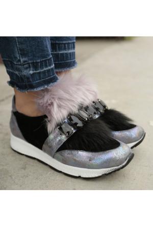 İnce Topuk Füme Siyah Tüylü Kalın Taban Spor Ayakkabı