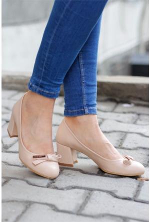 İnce Topuk Kısa Topuklu Ayakkabı 7YAZA0038276