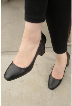 İnce Topuk Kısa Topuklu Ayakkabı 7YAZA0099004