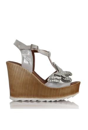 EsMODA Cc-1979 Gümüş Parlak Kadın Dolgu Topuklu Sandalet