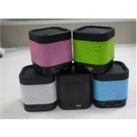 A7 Fm Radyolu Işıklı Bluetooth Mini Hoparlör Ses Bombası Speaker Siyah