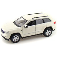 Maisto Jeep Grand Cherokee 2011 Model Araba 1:24 Special Edition Beyaz