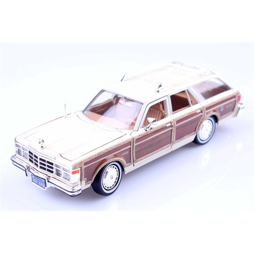 Diecast 1979 Chrysler Lebaron Country Wagon 1/24 Die Cast Model Araç