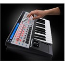 Novation R61 SLMK II 61 Tuş Midi Klavye