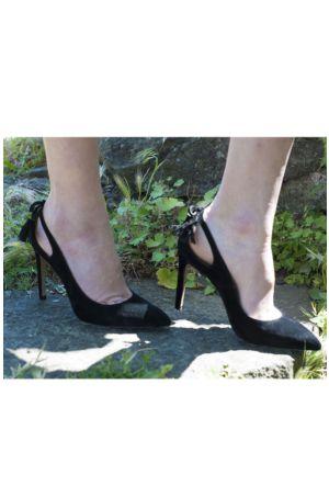 Sofistiqe Siyah Fiyonk Topuklu Ayakkabı