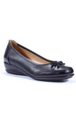 Gökçen Fiyonklu Lazer Kesim Anne Ayakkabı