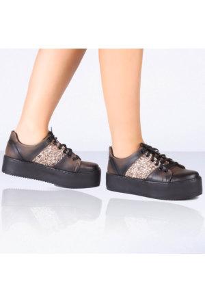İnce Topuk Kahverengi Kalın Tabanlı Spor Ayakkabı