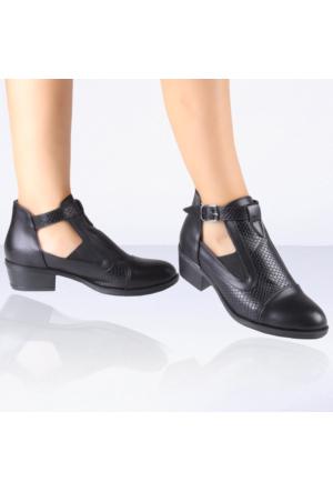 İnce Topuk Siyah Kısa Topuklu Ayakkabı