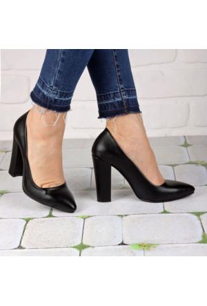 İnce Topuk Siyah Deri Kalın Topuklu Stiletto
