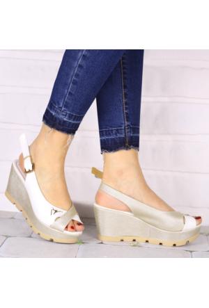 İnce Topuk Beyaz Dore Dolgu Topuk Ayakkabı