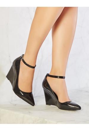 Mecrea Exclusive Ankle Strap Siyah Mat Rugan Bantlı Dolgu Topuk Stiletto
