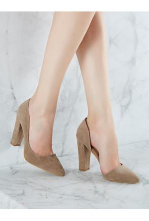 Mecrea Exclusive Decollete Bej Süet Topuklu Ayakkabı