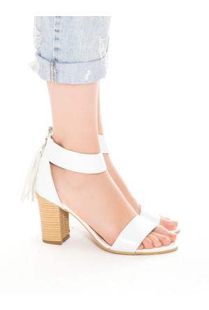 Mecrea Exclusive Fifi Beyaz Püsküllü Topuklu Sandalet