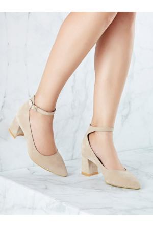 Mecrea Exclusive Milka Bej Süet Bilekten Bantlı Topuklu Ayakkabı