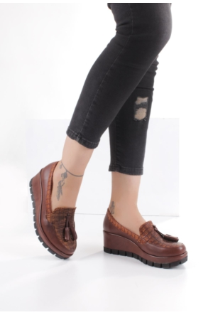 Erbilden Tua Taba Cilt Püsküllü Kadın Dolgu Topuk Ayakkabı