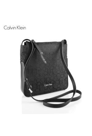 Calvin Klein K60K602236-001 Nin4 Logo Flat Crossover Black Çanta
