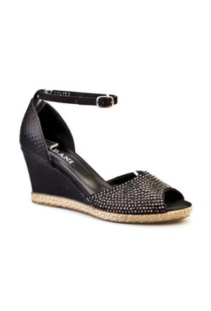 Cabani Bilekten Tokalı Taşlı Günlük Kadın Ayakkabı Siyah