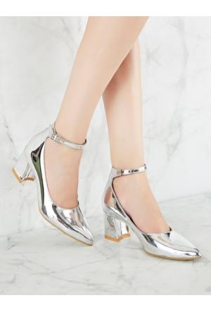 Mecrea Exclusive Milka Gümüş Ayna Bilekten Bantlı Topuklu Ayakkabı
