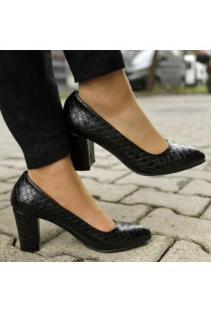 İnce Topuk Siyah Beyaz Kalın Topuklu Stiletto