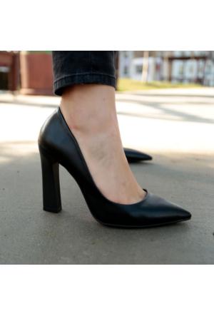 İnce Topuk Siyah Kalın Topuklu Stiletto
