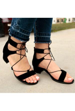 İnce Topuk Siyah Süet Bilekten Bağlamalı Kısa Topuklu Ayakkabı