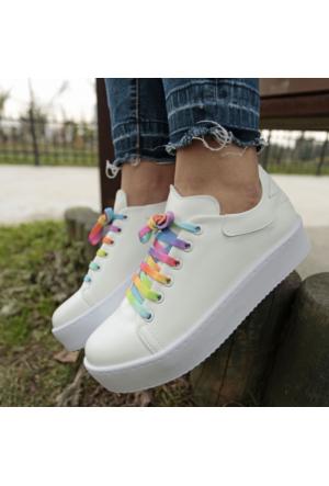 İnce Topuk Beyaz Kalın Tabanlı Spor Ayakkabı