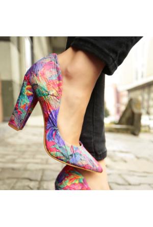 İnce Topuk Kırışık Desenli Kalın Topuklu Stiletto