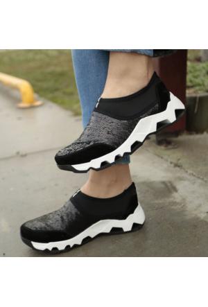 İnce Topuk Pullu Spor Ayakkabı
