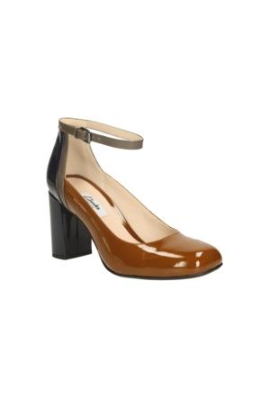 Clarks Gabriel Candy Kadın Sandalet Taba