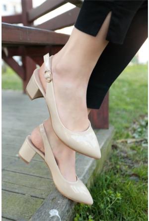 İnce Topuk Kısa Topuklu Ayakkabı 7YAZA0002844