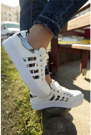 İnce Topuk Bağcıklı Spor Ayakkabı 7YAZA0031708