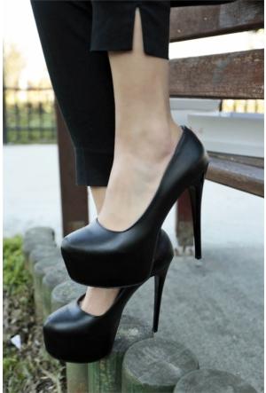 İnce Topuk Burnu Kapalı Platform Topuklu Ayakkabı 7YAZA0089004