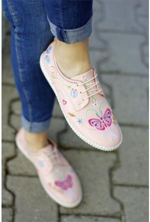 İnce Topuk Nakış İşlemeli Spor Ayakkabı 7YAZA0096097