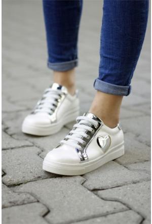 İnce Topuk Bağcıklı Spor Ayakkabı 7YAZA0102657
