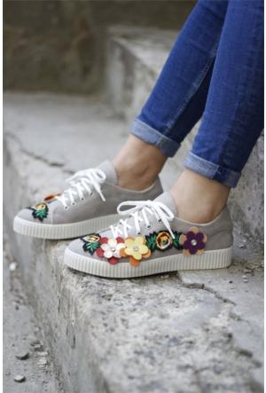 İnce Topuk Çiçekli Spor Ayakkabı 7YAZA0109458