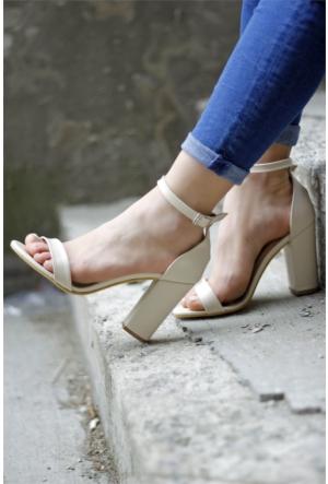 İnce Topuk Bilekten Bağlamalı Topuklu Ayakkabı 7YAZA0112074