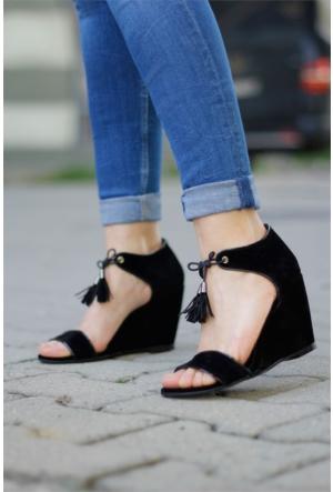 İnce Topuk Dolgu Topuklu Ayakkabı 7YAZA0120416