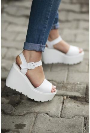 İnce Topuk Dolgu Topuklu Ayakkabı