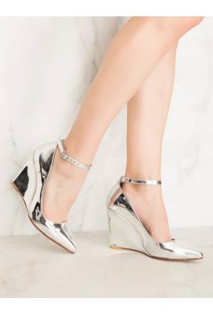 Mecrea Ankle Strap Gümüş Ayna Bantlı Dolgu Topuk Stiletto