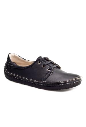 Cabani Bağcıklı Günlük Kadın Ayakkabı Siyah Deri