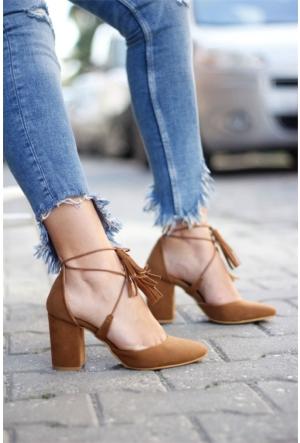 İnce Topuk Bilekten Çapraz Bağlı Topuklu Ayakkabı