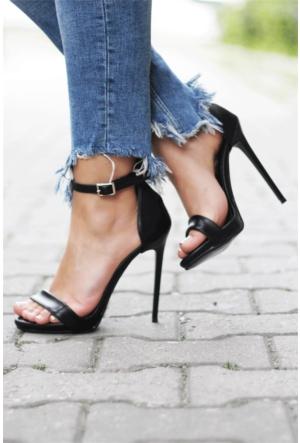 İnce Topuk İnce Bantlı Topuklu Ayakkabı