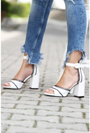 İnce Topuk Vardolalı Topuklu Ayakkabı