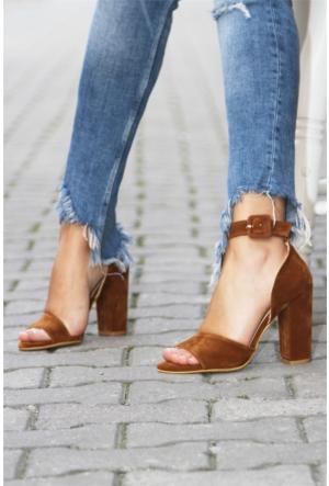 İnce Topuk Bilekten Bağlamalı Topuklu Ayakkabı