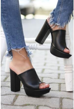 İnce Topuk Burnu Açık Topuklu Ayakkabı