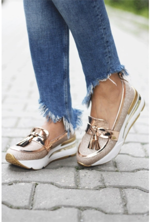 İnce Topuk Simli Kalın Taban Ayakkabı